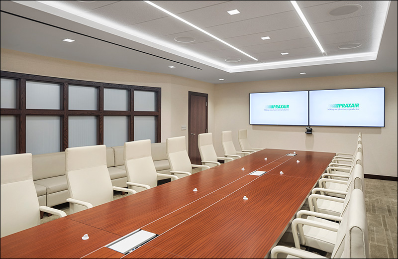 Sculpt-Linear_photo_recessed-flush_Praxair_Conference-Room_Copyright-Andrew-Rugge-CO1.jpg